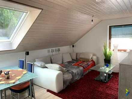 schöne 3-Zimmer Dachgeschosswohnung und Garage