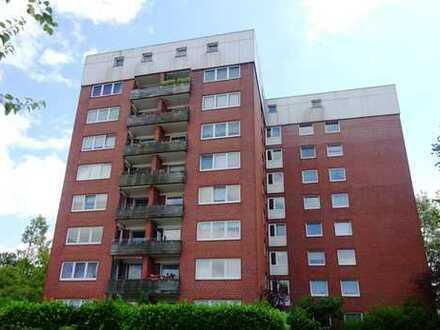Erstbezug nach Renovierung: 2 2/2 Zi.-Whg mit Balkon und neuer Einbauküche
