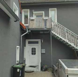 Schöne 5-Zimmer-Wohnung im 1. OG eines 4-Familienhauses zu sofort zu vermieten