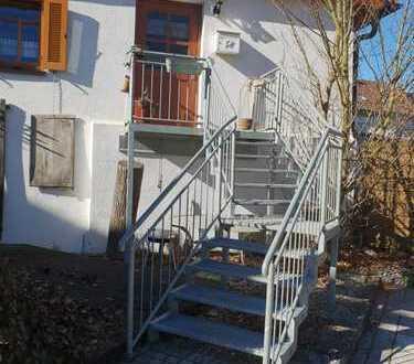Schöne 2-Zimmer-Wohnung mit Balkon und EBK in Bempflingen