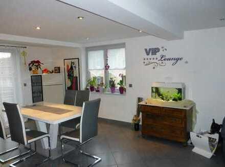 Riesig viel Platz - EFH mit 12 Zimmern auf mehr als 300 m²