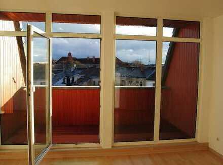 tolle 4 Zimmer Wohnung mit großem Balkon und 2 Bädern, perfekt für Familien