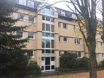 in unmittelbarer Nachbarschaft zum AEZ und Alsterlauf - erstklassig geschnittene 3-Zi.-Wohnung
