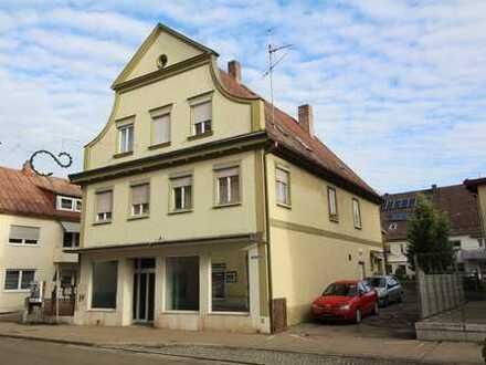 Mehrfamilienhaus mit 5 Wohnungen und einer Gewerbeeinheit in sehr zentraler Lage von Ichenhausen
