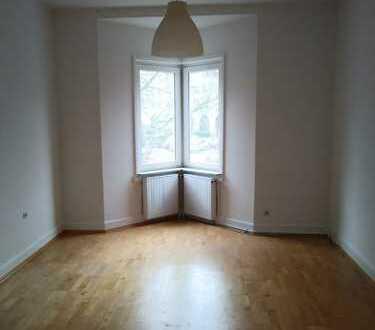 Schöne, helle 2-Zimmer-Altbauwohnung in Wiesbaden-Westend