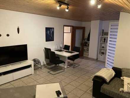 Schöne 2,5 ZKB-Dachgeschoss-Wohnung mit EBK und Dachterrasse in einem gefl. MFH in Schwetzingen
