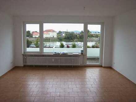 City - Lage Top-Wohnung mit Weserblick und großen Balkon, incl. Garage!