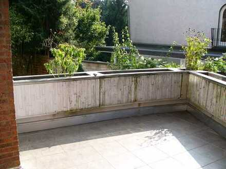 Renovierte helle und gemütlich 3-Zimmer-Wohnung mit Balkon in Bergisch Gladbach Heidkamp