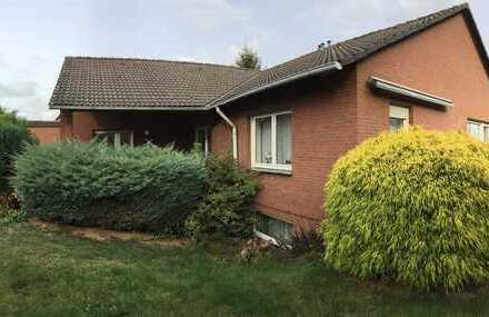 Wehrendorf / Bad Essen ! Gepflegtes Bungalow mit Einliegerwohnung, Stellp.+Garage, 4 Bäder ! Keller