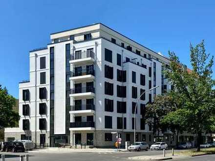 Großzügige 2-Zimmer-Wohnung mit Einbauküche und 2 Balkonen zum Erstbezug in KuDamm-Nähe