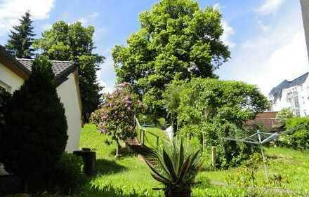 Schöne DG-Wohnung im sanierten Altbau