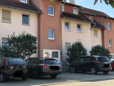 Schöne 3-Zimmerwohnung mit Ausbaupotential im Spitzboden zu verkaufen !