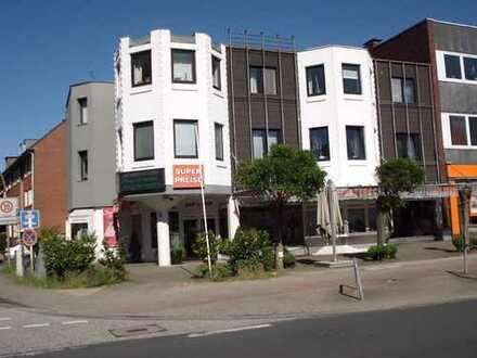 Schönes Ladenlokal mit großer Außenfläche, Stellplatz und Lagerfläche