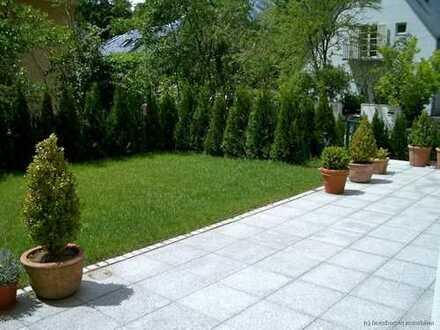 Haus im Haus mit Altbaucharme und Gartenanteil - komplett renoviert - schöne Lage / Menterschwaige