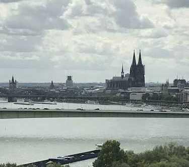 Erstbezug nach Sanierung: schöne 3-Zimmer-Wohnung mit Balkon und toller Aussicht in Riehl, Köln
