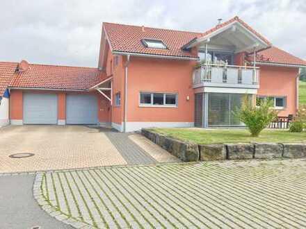 Neuwertige 3-Zimmer-Dachgeschosswohnung mit Balkon in Gestratz