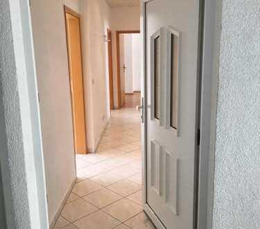 Provisionsfrei: Helle 4-Zimmer-Wohnung, 97qm, mit Einbauküche in Pforzheim-Nordstadt