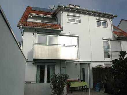 Neuwertiges Einfamilienhaus im Herzen von Tübingen mit 5-Zimmern und Dachstudio zu vermieten
