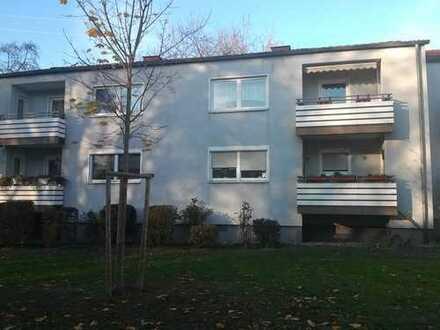 Vollständig renovierte 3,5-Zimmer-Wohnung mit Balkon und EBK in Dortmund