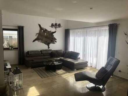 Doppelhaus-Villa in Bestlage von Baldham