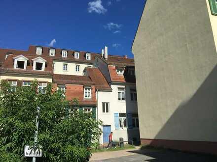 Exklusive, geräumige 2-Zimmer-Galerie-Wohnung mit Balkon und EBK in Heidelberg
