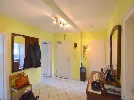 Gut geschnittene 4-Zimmer-Wohnung mit Balkon in Ginnheim