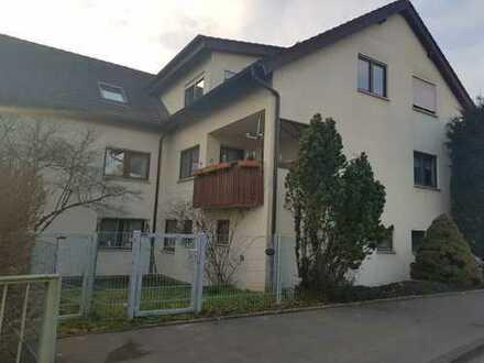 Schöne 3 Zimmer Wohnung mit Loggia und Garage in Frankenbach