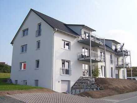 Neuwertige 3,5-Zimmer-Obergeschosswohnung mit Balkon in Himmelkron an solventes Paar zu vergeben