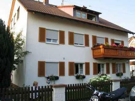 4-Zi-Wohnug in zentraler u. ruhiger Lage in Königsbrunn mit Süd-Balkon sucht ruhige Mieter!