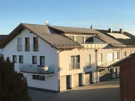 Neubau 2018: Sonnige 3-Zimmerwohnung mit Balkon und Badewanne