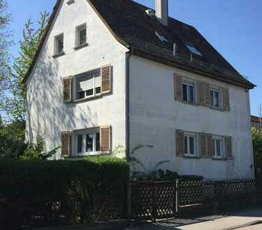 Dreifamilienhaus mit Garten in Ludwigsburg, 2 Wohnungen frei
