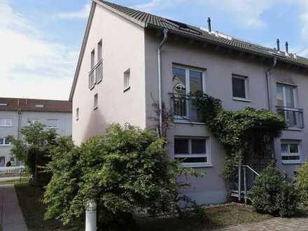 Ideal für Familien: attraktives Haus mit sechs Zimmern in Durmersheim