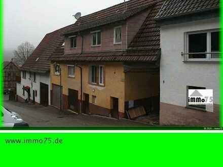 teilmodernisiertes Einfamilienhaus mit Scheune, Garten, Garagen