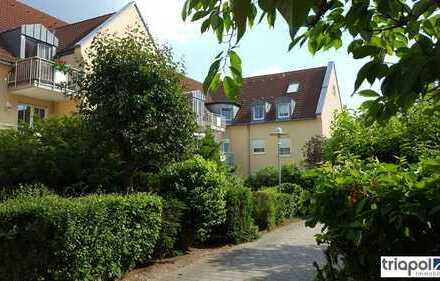 Schöne Maisonette-Wohnung mit neuem Lamintboden, Galerie und Balkon in grüner Lage..