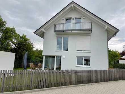 Andechs - Neuwertige Lichtdurchflutete moderne Doppelhaushälfte in Top-Lage, fünf Zimmern und EBK