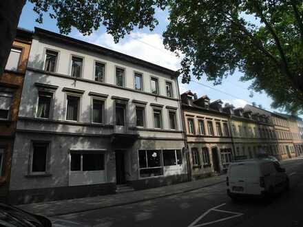 Einmaliges Wohn-Geschäftsanwesen, großer Innenhof mit Ausbaupotenial in zentraler FT-Stadtlage !