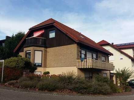 Gepflegte 2-Zimmer-EG-Wohnung mit Küche und Terrasse in Völkersweiler
