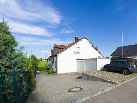 Gepflegte Doppelhaushälfte mit vier Zimmern und EBK in Gablingen, Gablingen