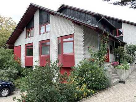 Großes Haus, 450 m² Garten, ruhig, zentral im Ort