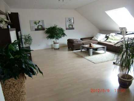Schöne 5-Zimmer-Wohnung mit großem Balkon in Elsenfeld