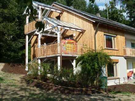 Gepflegte 4-Zimmer-Wohnung mit Balkon und Einbauküche in Metten