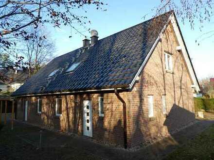 Gepflegtes Ferienhaus in unmittelbarer Nähe zum See (ca. 60 m)