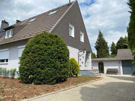 Top sanierte DHH mit großem Garten in Ratingen-Lintorf