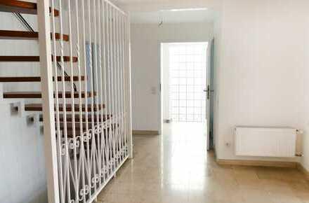 Profi Concept: Rödermark: Wohnen wie im eigenen Haus in kernsanierter 3-Zimmerwohnung