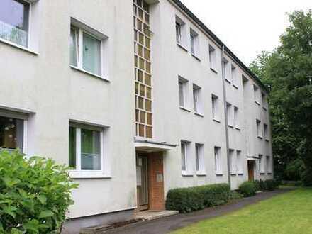 Frisch renovierte 3-Zimmer-Wohnung in Ruhiglage im Zentrum von Porz-Urbach