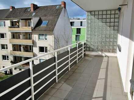 *Lift* 2 Zi. Neustadt mit Balkon - nähe Airport und City