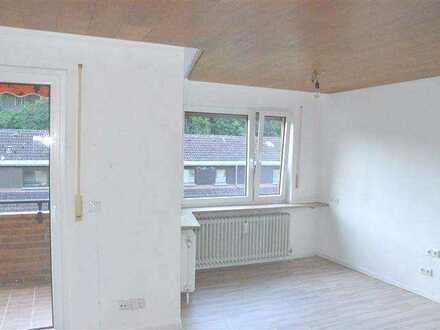 Renovierte 2-Zimmer-Wohnung mit Einzelgarage!