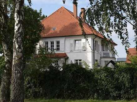 Tolles Ein- Zweifamilienhaus mit Ausbaureserve - Bauland im Garten