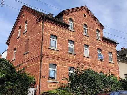 große 3 Zimmer Wohnung mit Gartenanteil in Neundorf