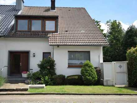 Willkommen in Bredeney! Großformatiges, sonniges Zuhause mit Garten und Doppelgarage in 1A*-Lage